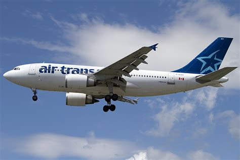 air transat c gvat airbus a310 304 24 08 2011 yul