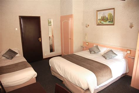 hotel avec chambre 3 personnes puy du fou vendée