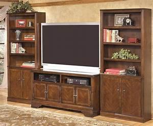 Hamlyn 42 Inch TV Stand From Ashley W527 18 Coleman