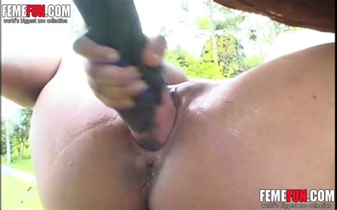 Kinky Girl Provides Her Narrow Pussy For A Horses Giant
