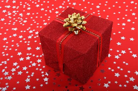 christmas gift free stock photo public domain pictures