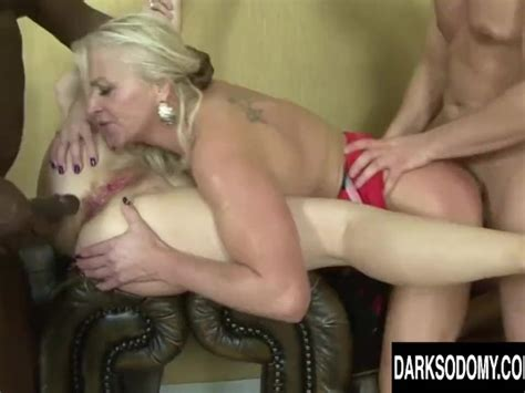 Hot Anal Orgy With Four Mature Sluts And Four Bbcs Free