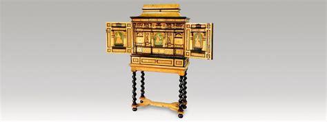 bureau marqueterie ebéniste restaurateur de meubles cabinet anciens du xviie
