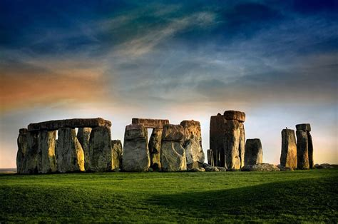15 Famous Landmarks Zoomed Out