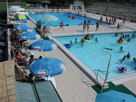 piscine municipale a aire sur l adour equipements de loisirs tourisme landes 40
