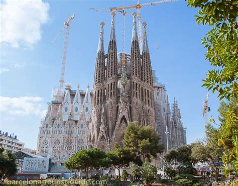 Barcelona Tourist Information/Tourism Guide, Spain 2020