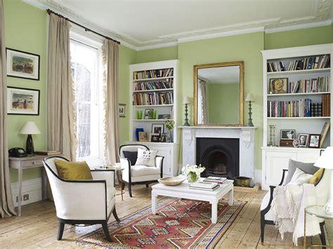 cojines para sofa verde oliva c 243 mo decorar un sal 243 n en verde