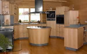 Moderne Küche Mit Kochinsel Holz : schreinerei guenther wohnen ~ Bigdaddyawards.com Haus und Dekorationen
