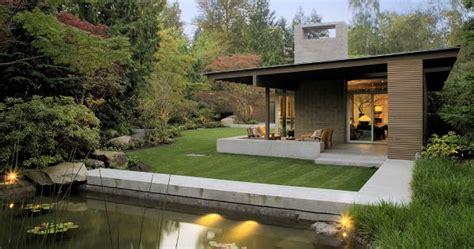 urban cabin desain rumah minimalis ala pondok  hutan