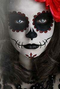 Zombie Schminken Bilder : die besten 25 gruselig schminken ideen auf pinterest gruselig karneval halloween ~ Frokenaadalensverden.com Haus und Dekorationen