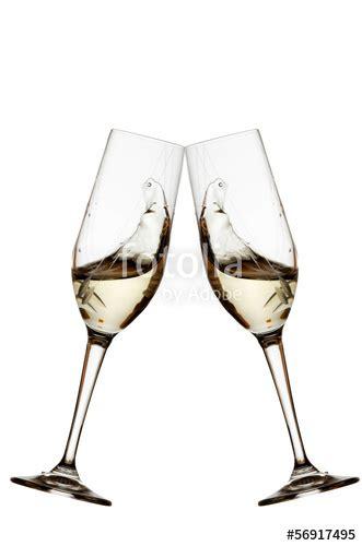 Immagini Bicchieri Di by Quot Bicchieri Brindisi Bianco Su Sfondo Bianco