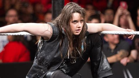 Why Didnt Nikki Cross Join Smackdown Live