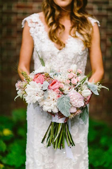 chambre à coucher blanche pourquoi opter pour un bouquet de mariée rond