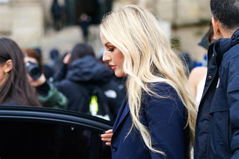 Ellie Goulding's mother 'deeply hurt' by singer's comments