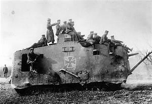 Wwi Tanks Ww1 A7v Siegfreid With Crew