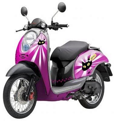 Motor Scoopy Ungu by Modifikasi Motor Honda Scoopy Cat Pink Ungu Simple