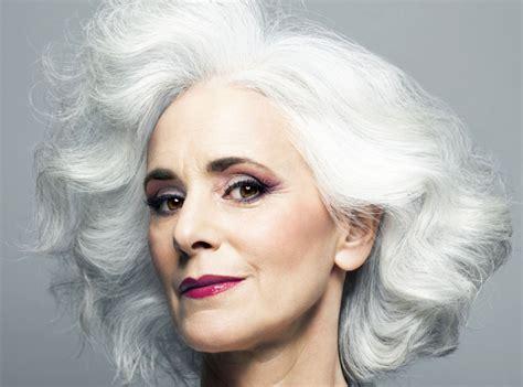 make up ab 50 so schminken sich frauen ab 50 perfekt tipps und make up
