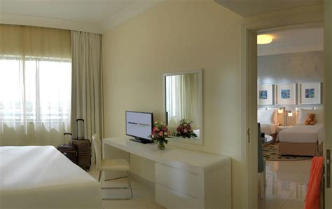hotel restaurant avec dans la chambre appart 39 hôtel damac maison dubai mall dubaï avec