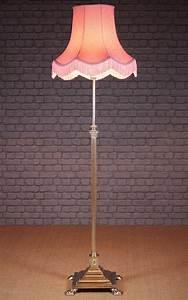 Antiques atlas adjustable brass column floor lamp c1900 for Reeded brass floor lamp