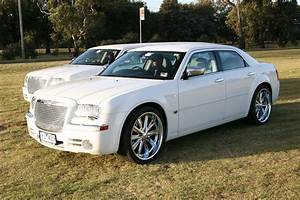 Chrysler 300 C : chrysler sedan chrysler 300c melbourne krystal limousines ~ Medecine-chirurgie-esthetiques.com Avis de Voitures