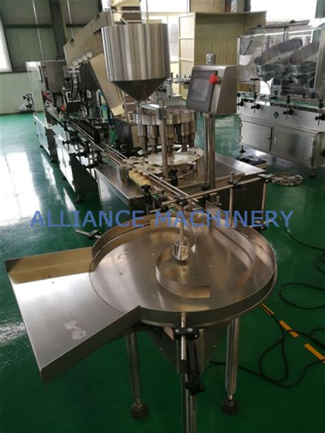 rotary table receiving bottle packaging  bottle packing production