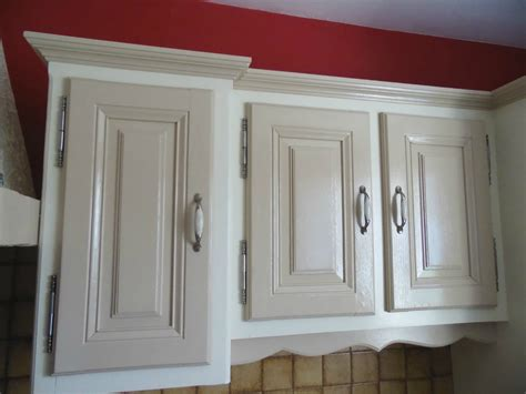 comment repeindre un bureau en bois top agrable peindre armoire cuisine chene la dco de gg