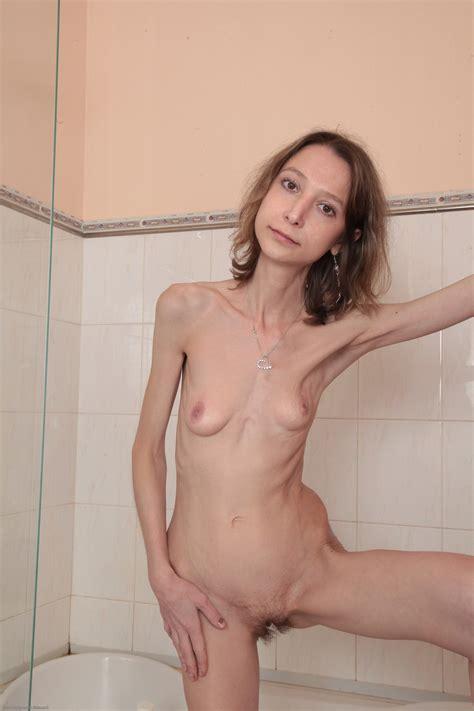 Laura-very skinny small seductive, hairy and small empty ...