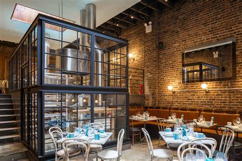 restaurant debuts  stand    rest