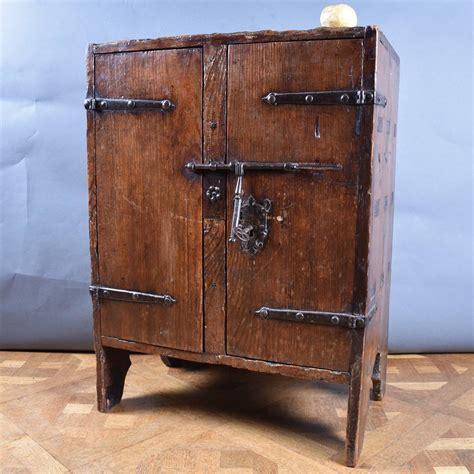 Antique Small Cabinet  Antique Furniture. Cool Kitchen Designs. Cincinnati Kitchen Designers. Scandinavian Design Kitchen. Designer Kitchen Taps Uk