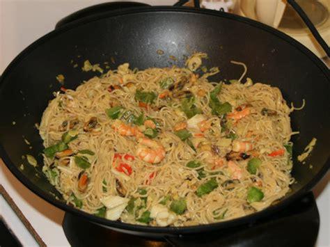 cuisine wok facile wok de le mer et ses nouilles chinoises lacuisinefacile com