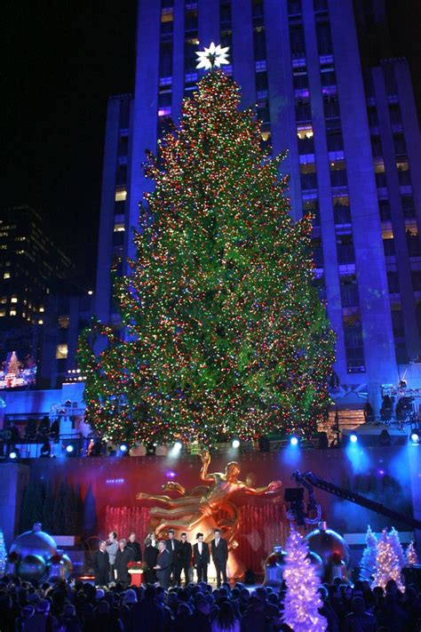 the 2012 rockefeller center christmas tree lighting