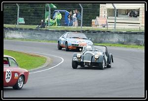 Index of /castlecombe/classicraceday/album/slides
