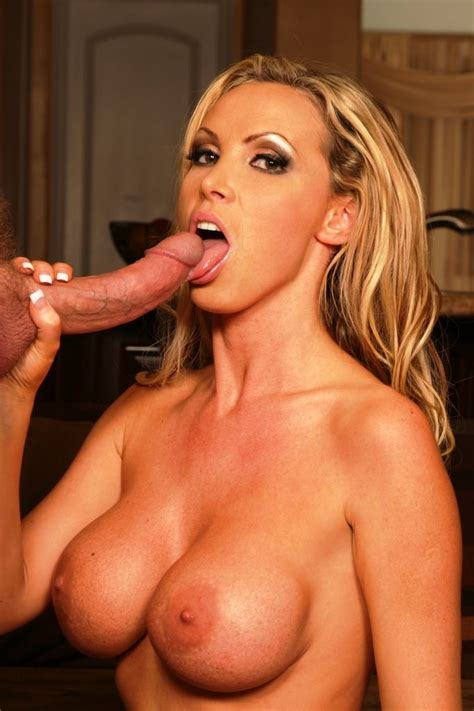 Blonde Babe Nikki Benz Sucks A Huge Cock Dry