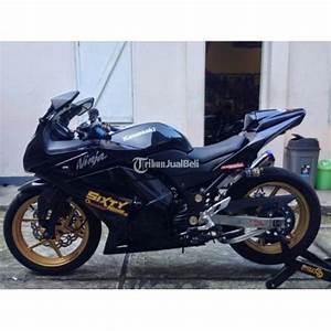 Kawasaki Ninja 250 Modif Karbu Hitam Tahun 2012 Terawat
