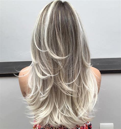40 Trendy Hairstyles and Haircuts for Long Layered Hair To