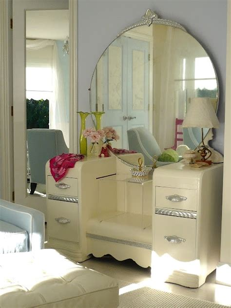 painted deco furniture 1000 images about deco waterfall furniture on vintage dressers furniture and