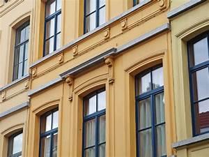 Haustüren Für Alte Häuser : fassadensanierung neues gewand f r alte h user ~ Michelbontemps.com Haus und Dekorationen