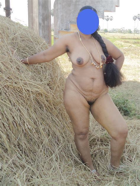 Outdoor Busty Tamil Aunty 10 Pics