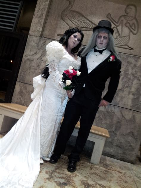 zombie vow renewalsviva las vegas weddings blog viva las