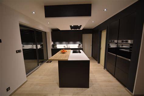 cuisine noir mat plan de travail bois bordeaux cuisinesfr