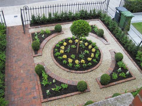 formal parterre   front garden garden design dublin
