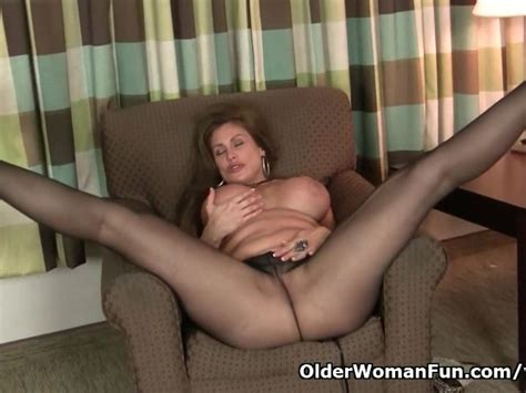 American Milf Sheila Gets Turned On By Pantyhose Free