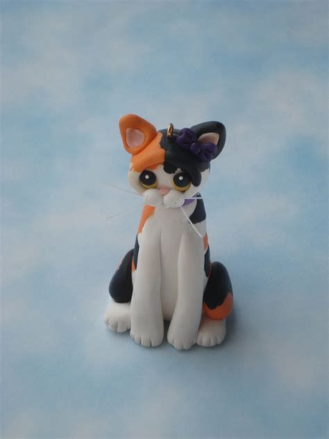 calico cat christmas ornament polymer clay sculpture