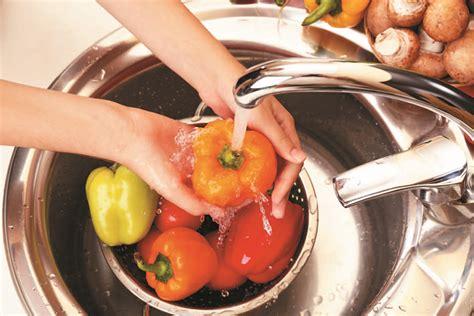 il rubinetto come sostituire il rubinetto lavello cucina bricocenter