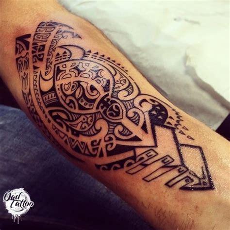 tatouage maori avant bras tatouage maorie avant bras dessin cochese
