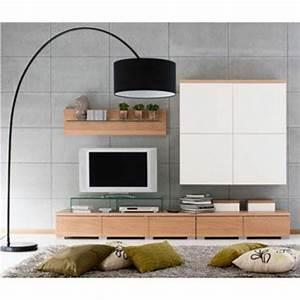 un lampadaire fly apporte du style et du charme au salon With tapis shaggy avec canapé electrique fly