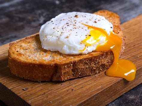 poached eggs  toast recipe  nutrition eat