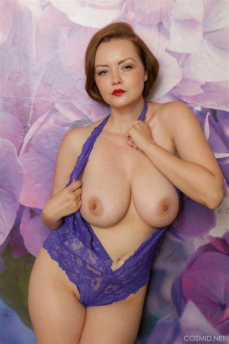 Natasha Dedov Reveals Her Sexy Body At Photoshoot Photos