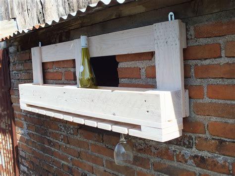 etag 232 re de bar en bois de palette pour bouteilles et verres