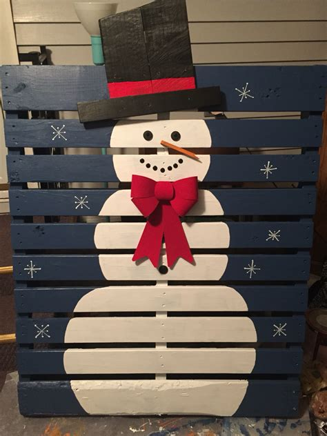 17 pallet projects to deck your halls for christmas the